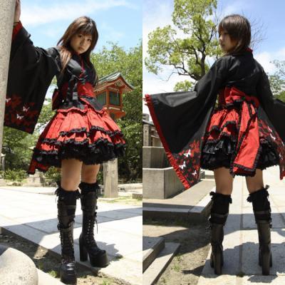 http://www.tout-le-japon.com/wp-content/uploads/2009/07/mode-wa-lolita.jpg